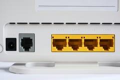 Módem de VDSL, dispositivo combinado para la modulación y desmodulación LAN y DSL de los puertos de red fotografía de archivo libre de regalías