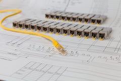 Módulos da rede de SFP para o interruptor de rede e o cabo de remendo Foto de Stock Royalty Free