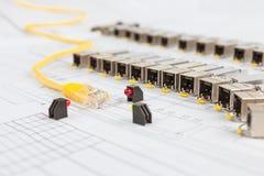 Módulos da rede de SFP para o interruptor de rede, o cabo de remendo e os diodos Fotos de Stock