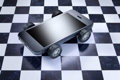 Móvil del teléfono celular del coche fotografía de archivo
