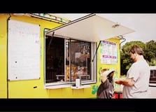 Móvil helado amarillo Fotografía de archivo