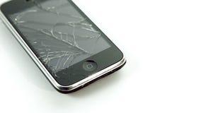 Móvil quebrado del smartphone del lcd en el fondo blanco almacen de video