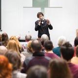 Mówca Opowiada przy Biznesową konferencją Zdjęcie Royalty Free