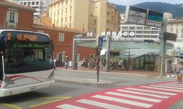 Mônaco - estação de caminhos de ferro principal foto de stock royalty free