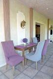Möbel in einem Korridor des Gästehauses Provence-Art lizenzfreie stockfotografie