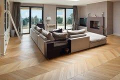 Möblerad härlig lägenhet royaltyfria foton