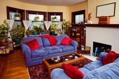 möblerat vardagsrum Arkivfoto
