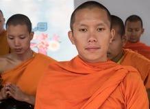 Mönch-Almosen-Zeremonie, Thailand Stockbilder