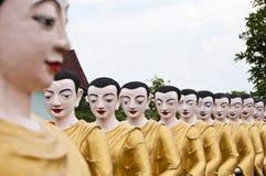 Mönch in der Reihe. Lizenzfreie Stockbilder