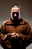 Mönch im Schatten Stockfoto