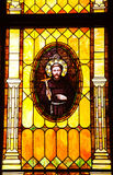 Mönch Junipero Serra Buntglas-Kirche Lizenzfreie Stockfotografie