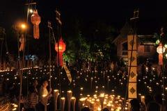 Mönche bereiten sich für Yee Peng Festival von vor Stockbilder