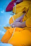 Mönche an der thailändischen Hochzeit Lizenzfreie Stockfotografie