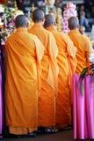 Mönche in der Zeile Lizenzfreie Stockfotografie
