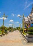 Mönstra kyrkan i den Thailand templet Arkivbilder