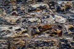 Mönstrad stenvägg i Prague ideal för bakgrundsbild royaltyfri fotografi