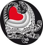 Mönstrad svartvit katt och röd hjärta Arkivfoto