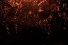 Mörk gammal läskig rostig grov guld- och koppartextur för metallyttersida/bakgrund för allhelgonaafton eller spökat hus spelar ba Arkivfoto