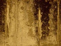 Mörk grungebetongvägg Arkivfoto