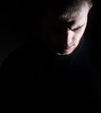 Mörk man, grabb, profil, man, fördjupning som är svartvit arkivfoto
