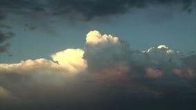 Mörk rulle för stormmoln in lager videofilmer