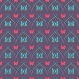 Mörk sömlös bakgrund med fjärilar och sneda tunna linjer Royaltyfria Bilder