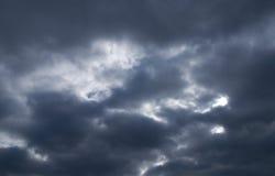 mörk sky arkivbilder
