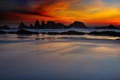mörk solnedgång Arkivbild