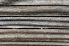 Mörk wood textur med gammalt material arkivbilder