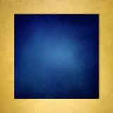 Mörker - blå fyrkantig bakgrund med den guld texturerade gränsen Arkivfoto