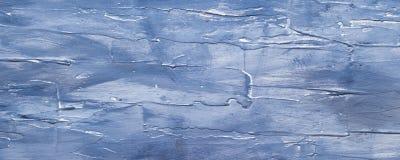 Mörker - blått målad träbakgrund royaltyfria bilder