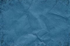 Mörker - blått retro skrynkligt kraft papper fotografering för bildbyråer