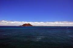 Mörker - blått vatten Royaltyfria Bilder