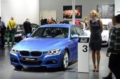 Mörker för salong för bil BMW för tredje serieMoskva internationellt - blått Arkivbilder