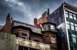 Mörker fördunklar över nedskärningbyggnader i Boston, Massachusetts royaltyfri fotografi