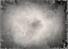Mörker - grå vattenfärgbakgrund, monokrom skärmsparare Abstrakt svart bakgrund med skrapor Grungy textur för tappning Royaltyfri Bild