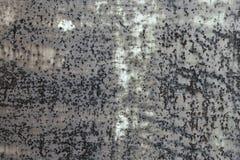 Mörkt - grå rostig metalltexturbakgrund Tappningeffekt fotografering för bildbyråer
