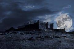 mörkt medeltida landskap Arkivbilder