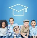 Mörser-Brett-Bildungs-Erfolgs-Ikonen-Konzept Stockbilder