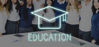 Mörser-Brett-Bildungs-Erfolgs-Ikonen-Konzept Stockbild