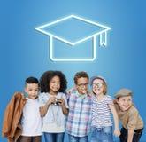 Mörser-Brett-Bildungs-Erfolgs-Ikonen-Konzept Lizenzfreie Stockfotografie