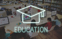 Mörser-Brett-Bildungs-Erfolgs-Ikonen-Konzept Stockfotos