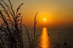 Möte av solnedgången fotografering för bildbyråer