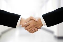 möte för partnerskap för affär för affärsmanhandskakning yrkesmässigt Arkivbilder