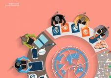 Möte för vektoraffärsmankläckning av ideer i kontoret och den mobila minnestavlateknologin som meddelar med världsomspännande kun Arkivfoto