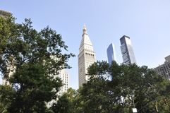 Mött livtorn och en Madison Park i midtownen Manhattan från New York City i Förenta staterna Arkivbild