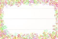 A música colorida nota o fundo Imagens de Stock
