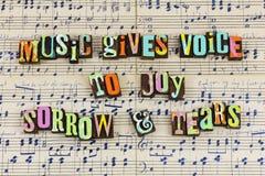 A música dá rasgos da amargura da alegria da voz fotos de stock royalty free