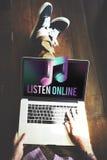 Música de Digitaces que fluye concepto en línea del entretenimiento de las multimedias imagen de archivo libre de regalías