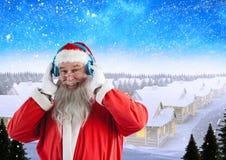 Música de escuta de Santa nos fones de ouvido 3D Imagens de Stock Royalty Free